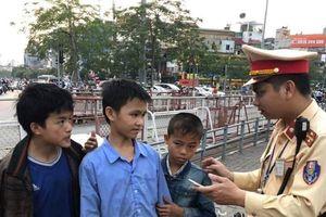 3 cháu bé dân tộc bị lạc ở Hà Nội đã về nhà an toàn