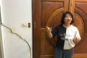 CLIP: Hãi hùng 80 căn hộ trong khu đô thị bị sụt lún, nứt toác ở Hà Nội