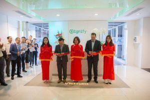 Signify mở TT ứng dụng chiếu sáng thông minh đầu tiên tại Việt Nam