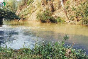 Cần làm rõ nguyên nhân ô nhiễm ở mó nước cây sung, Sơn La