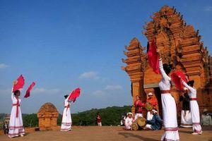Dịp nghỉ lễ 30-4, Làng Văn hóa- Du lịch các dân tộc Việt Nam tổ chức nhiều hoạt động phong phú