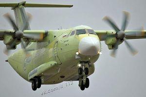 Cận cảnh chuyến bay đầu tiên của máy bay Il-112V Nga
