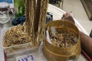 Chủ nhân nhận lại 5 tỷ và hàng chục kg vàng sau 6 năm bị mất