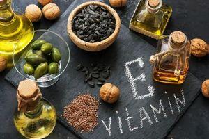 Cách trị thâm môi bằng vitamin E