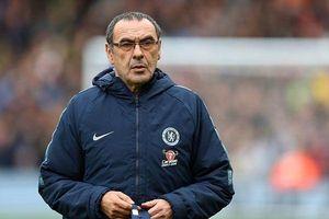 Cổ động viên Chelsea không hài lòng với Sarri vì điều gì?
