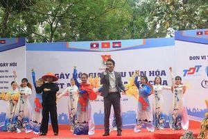 Ngày hội giao lưu văn hóa Việt Nam - Lào - Cam-pu-chia