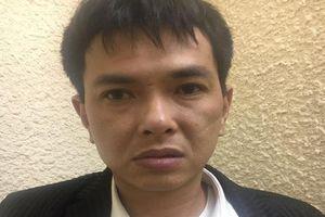 Khen thưởng vụ bắt kẻ nổ súng, cướp tiền ở chợ Long Biên