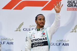 Đối thủ gặp sự cố, Hamilton về nhất chặng đua F1 tại Bahrain