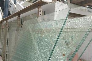 Nhập vách kính cầu thang Cát Linh-Hà Đông: Hệ quả phụ thuộc