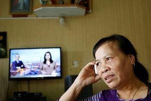Vỡ òa niềm vui ở quê nhà khi hay tin Đoàn Thị Hương được trả tự do vào tháng 5