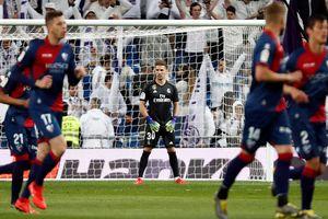 Zidane cho con trai thi đấu, Real Madrid nhọc nhằn giành 3 điểm