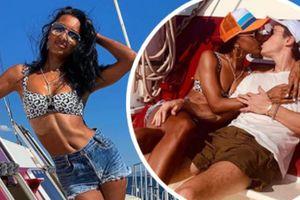 Thiên thần nội y Jasmine Tookes tình tứ bên bạn trai ở biển
