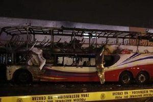 Peru: Xe buýt bất ngờ bốc cháy, hàng chục người chết