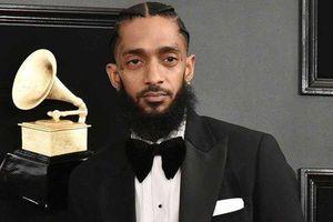 Nhiều nghệ sĩ tiếc thương rapper người Mỹ bị bắn tử vong ngay trước cửa hàng của mình