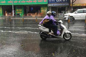 Tuần này mưa dông nhưng Nam Bộ vẫn nóng, TP.HCM 36-37 độ C