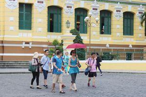 TPHCM: Giảm hơn 1.100 vụ taxi, hàng rong đeo bám du khách