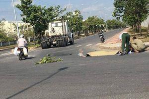 Va chạm với xe container, nam công nhân chết thảm dưới bánh xe