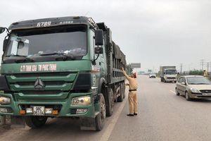 Bắc Giang: Xử lý nghiêm xe quá khổ, quá tải trên những cung đường nóng