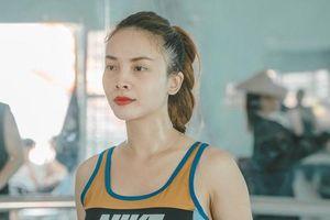 Yến Trang mướt mồ hôi tập luyện chuẩn bị cho liveshow của Vũ đoàn Bước Nhảy
