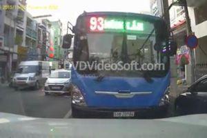 Xử lý xe buýt chạy lấn làn, ngược chiều giờ cao điểm ở Sài Gòn