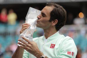 'Hạ gục nhanh' Isner, Federer lần thứ tư lên ngôi tại Miami Open