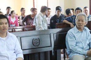 Cần Thơ: Chống người thi hành công vụ, 3 cha con hầu tòa