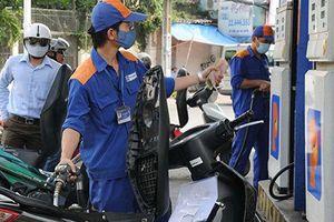 Xăng dầu đồng loạt tăng giá mạnh từ 17h hôm nay
