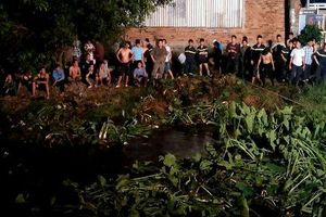 Cướp tiệm vàng bị truy đuổi, nam thanh niên nhảy xuống kênh mất tích ở Sài Gòn