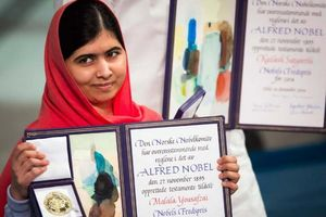 Câu chuyện phi thường của cô gái trẻ nhất từng nhận giải Nobel Hòa bình