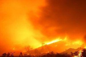 Cháy rừng dữ dội ở Trung Quốc, 30 người thiệt mạng
