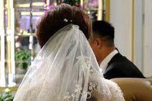 Tổ chức đám cưới giả để vay tiền rồi chiếm đoạt