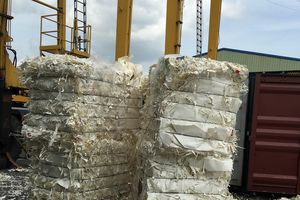 Hải quan cảng Cái Mép tìm chủ nhân 452 container giấy phế liệu