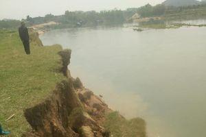 Phú Thọ: Nông dân tập trung 'tố' DN khai thác cát gây sạt lở bờ sông?