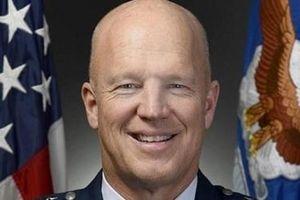 Mỹ: Thách thức của Tướng John Raymond