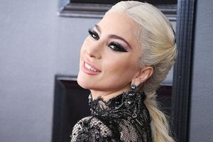 Nhạc của Lady Gaga và Ariana Grande bị nhận xét là phản cảm