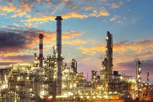 Sản lượng khai thác của OPEC giảm mạnh tháng thứ 4 liên tiếp