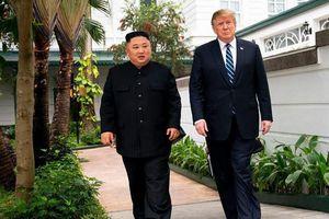 TT Trump tiết lộ đối thoại với ông Kim Jong Un khi đi dạo ở Hà Nội