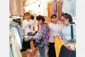 Đi chợ Ninh Hiệp