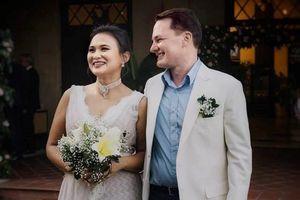Thân thế 'khủng' của người phụ nữ kết hôn cùng chồng cũ ca sĩ Hồng Nhung