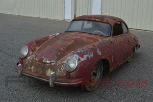 'Đống sắt vụn' mác Porsche có giá hơn 82.000 USD
