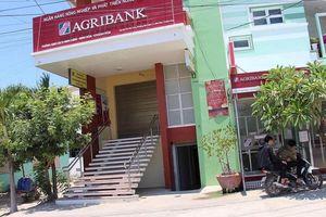 Nhân viên Agribank Khánh Hòa làm 'bốc hơi' tiền trong sổ tiết kiệm của khách