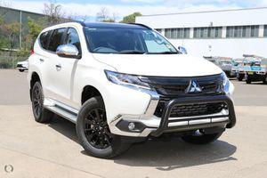 Bảng giá xe Mitsubishi tháng 04/2019: Mitsubishi Triton xuất hiện 2 phiên bản mới