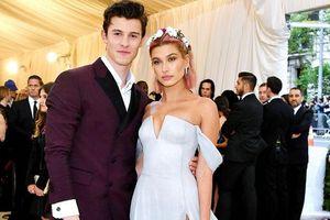 Hot boy, soái ca có gì vui khi Shawn Mendes vẫn bị hàng loạt mỹ nữ… lơ đẹp!