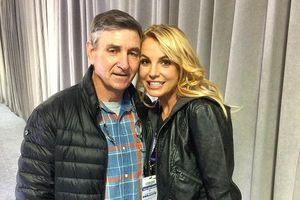 Cha trong tình trạng nguy kịch, bản thân phải điều trị tâm lí: Britney Spears hủy toàn bộ đêm diễn Vegas!