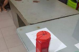 Bắt 2 kẻ xăm trổ mang sơn đi tạt nhà con nợ để đòi tiền ở TP. HCM