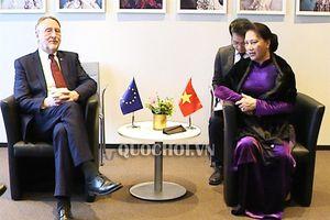 Chủ tịch Quốc hội tiếp Chủ tịch Ủy ban Thương mại Quốc tế của nghị viện châu âu
