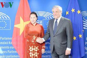 Chủ tịch Quốc hội hội đàm với Chủ tịch Nghị viện châu Âu