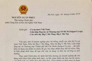 Thủ tướng Nguyễn Xuân Phúc khen các siêu thị dùng lá chuối thay bao nilon