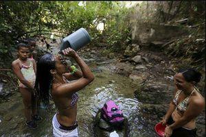 Venezuela: Công viên quốc gia thành nhà tắm công cộng