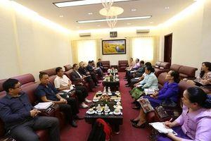 Tạo điều kiện cho sinh viên Lào học tập tại Đại học Kinh doanh và Công nghệ Hà Nội